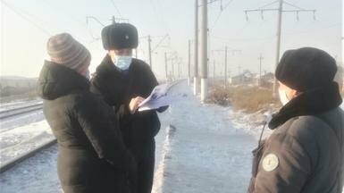 Железнодорожники и полицейские Нур-Султана провели профбеседы с населением