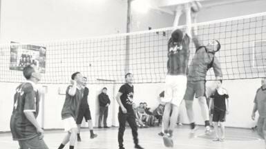 Первенства по мини-футболу и волейболу прошли в Уральске